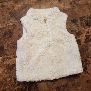Carter's 4T zip up faux fur vest